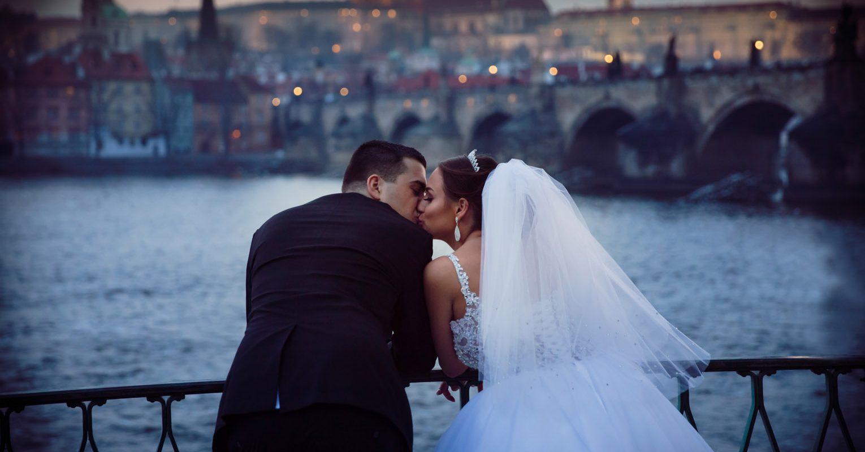 Pre-wedding photos in Prague