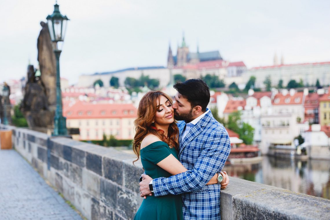 Pre-wedding photos in Prague